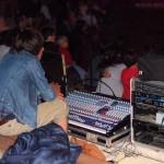 Clément, notre régisseur derrière sa table de mixage, à Léon le 6 août : il y avait plus de 700 personnes
