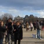 Dans les Jardins des Tuileries, en revenant du Louvre