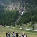 Arrivée à Ceillac : devant la cascade