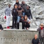 Au col d'Aniel : Cédric, Mamadi, Arthur, Alexandre, Adrienne, Bénédicte, Evidalie, Michel et Jean-Luc