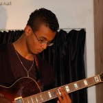 Alexandre à la guitare85