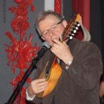 Jean-Luc, avec un magnifique charango bolivien en provenance de La Paz