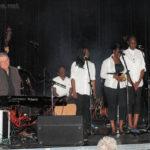 Toute la troupe à la salle Bernier de Sarcelles : Jérémy, Jean-Luc, Grace, Évidaly, Adrienne, Bénédicte et Tuintim