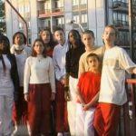 """Vidéo «Jamais assez», par les """"Teenagers"""" <i>(2001)</i>"""