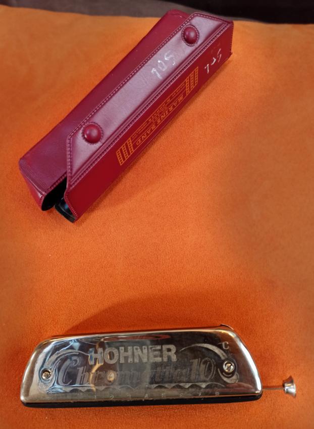 HOHNER Chrometta 10